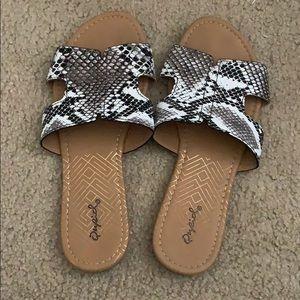 Snakeskin sandals qupid